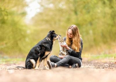 Outdoor Shooting - Shooting mit Hund draußen | Rudel Familie Shooting im Wald